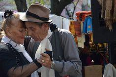 Aulas abertas de tango para idosos no Sesc Bauru