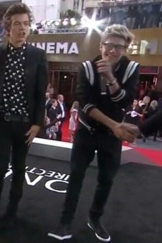 I thought Marcel was the cutest nerd up until now << OMG I'm dead. NIALL JAMES HORAN STOP IT !