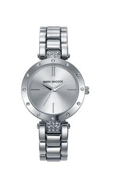 Resal tu tu elegancia con un reloj como este, solo Mark Maddox pude ofrecértelo. Reloj tres agujas brazalete con incrustaciones en el bisel y cierre desplegable. Cristal mineral e impermeable 30m (3ATM).