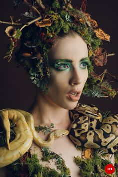 Creative looks and bodypainting - involving mix of different techniques. Fairy Makeup, Forest Fairy, Nymph, Halloween Face Makeup, Creative, Body Painting, Woodland Fairy, Nymphs