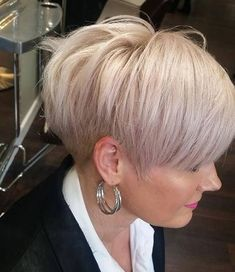 Top 20 Short Hairstyles for Fine Thin Hair Coiffure courte pour cheveux fins Haircuts For Fine Hair, Pixie Hairstyles, Short Hairstyles For Women, Straight Hairstyles, Pixie Haircuts, Easy Hairstyles, Cool Short Haircuts, Hairstyle Ideas, Pixie Haircut Thin Hair