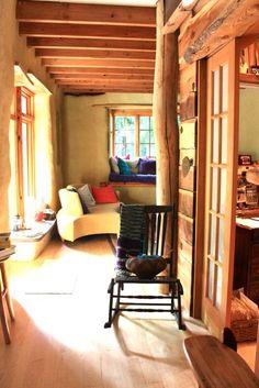 divisorios internos con madera y puertas con vidrio