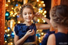 ideas for photography ideas christmas kids family portraits Photography Poses Women, Children Photography, Family Photography, Amazing Photography, Portrait Photography, Photography Ideas, Christmas Portraits, Family Portraits, Medium Hair Highlights