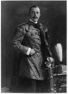 Official portrait of Count László Széchenyi, made just before he married Gladys Vanderbilt (Jan. 27, 1908), daughter of Cornelius Vanderbilt II, and Consuelo's first cousin.
