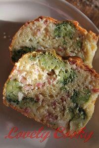 Cake brocolis / chèvre / lardons
