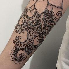 """Details #sashatattooing #linework #dotwork #tattoo"""