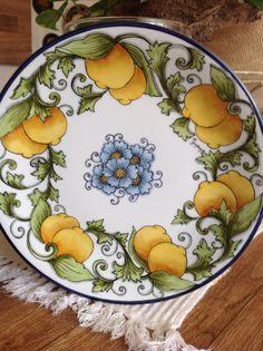 Decorative Dinnerware