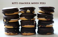 Ritz cracker moon pies - a simple and easy dessert idea for kids!