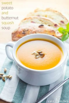 This  soup is the perfect combination of smooth, filling, and light! Not only that, but it's so packed with superfood and healthy vitamins that you're going to love it! Sweet Potato & Butternut Squash Soup | Club 31 Women | club31women.com | #butternut #f