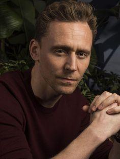 Tom Hiddleston photographed by Robert Hanashiro for USA TODAY. Source UHQ