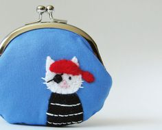 Hey, I found this really awesome Etsy listing at http://www.etsy.com/listing/128801240/coin-purse-pirate-cat-on-blue