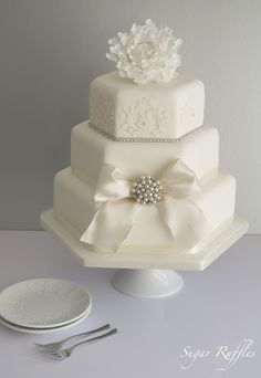 Other / Mixed Shaped Wedding Cakes -   Simple but elegant