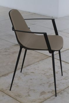 Lacquered aluminium chair with armrests Marguerite Collection by Joli