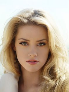 Amber Heard is so beautiful that she doesn't even look real! Fotos Amber Heard, Amber Heard Hot, Beautiful Eyes, Most Beautiful Women, Beautiful Pictures, Actrices Hollywood, Woman Face, Beautiful Actresses, Pretty Face