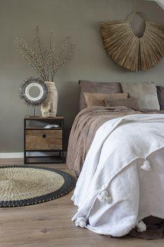 Slaapkamer make-over ism de Troubadour Interieurs Bedroom Inspo, Home Bedroom, Master Bedroom, Bedroom Decor, Interior Design, Decorate Your Room, Home And Deco, Room Inspiration, Furniture