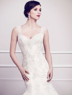 Style 1575 / by Kenneth Winston / Available Colours : Ivory, White (close up)