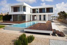 House in Menorca, Minorque, 2009 - dom arquitectura Small Contemporary House Plans, Modern Contemporary Homes, Modern House Plans, Modern Homes, Minimalist House Design, Modern House Design, Modern Minimalist, Deck Design, Modern Exterior