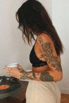 Trending Arm Tattoos Ideas For Women in 2020 Cute Tattoos For Women, Girl Arm Tattoos, Shoulder Tattoos For Women, Back Tattoo Women, Sleeve Tattoos For Women, Body Art Tattoos, Female Arm Tattoos, Tatoos, Feminine Arm Tattoos