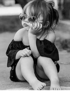 Cute children pictures heart Ideas for 2019 Cute Kids Photos, Little Girl Photos, Cute Baby Girl Images, Cute Baby Pictures, Girl Pictures, Children Pictures, Toddler Photos, Cute Little Baby, Cute Babies