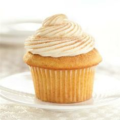 Snickerdoodle Cupcakes with Maple Frosting