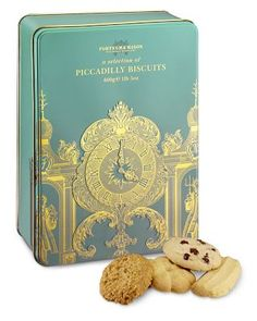 fortnum and mason piccadilly biscuits Biscuits Packaging, Cookie Packaging, Tea Packaging, Packaging Design, Branding Design, Tea Biscuits, Fortnum And Mason, Luxury Packaging, Tea Tins