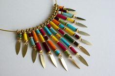 """Elégant collier """"Happy"""" en perles de papier lokta népalais multicolore : Collier par les-surprises-de-noh-lim"""