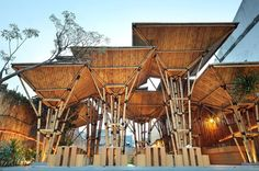 Eco Factor: Restaurant created from sustainable materials. Designers over at DSA+s have created an outdoor Japanese Noodle restaurant that can easily be assembled and disassembled. The sustainable restaurant has been created using bamboo as the. Bamboo Architecture, Tropical Architecture, Sustainable Architecture, Architecture Design, Bamboo Building, Green Building, Bamboo Roof, Giant Bamboo, Bamboo House Design