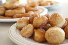Semi-Homemade Donuts Homemade Donuts - Sounds and looks good, wonder if it would work with bisquick biscuit mix. ready to find out. i know my kids would love them. Köstliche Desserts, Delicious Desserts, Dessert Recipes, Yummy Food, Biscuit Donuts, Biscuit Mix, Donut Recipes, Cooking Recipes, Yummy Recipes