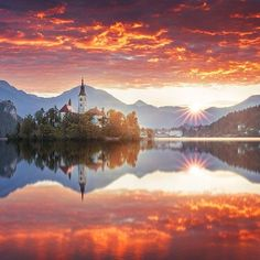 FB Earth Porn --- Beautiful Sunset in Bled, Slovenia. Photo by Beautiful Sunset in Bled, Slovenia. Photo by Beautiful Sunset, Beautiful Places, Beautiful Pictures, Amazing Photos, Amazing Places, Wonderful Places, Hidden Places, Places To Go, Us Travel Map