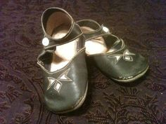 1900'S ANTIQUE BLACK LEATHER  BABY SHOES VINTAGE OLD DOLL SIZE VICTORIAN