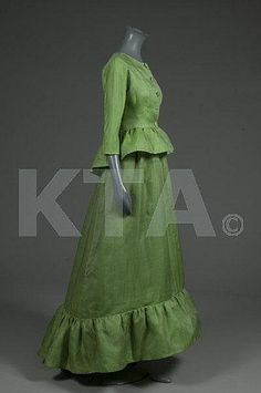 Balenciaga couture apple-green slubbed layered organza ball gown and jacket, model 113, February 1962
