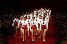 Talianske módne hviezdy predviedli jarno-letnú kolekciu na rok 2015 | Móda a krása | zena.sme.sk
