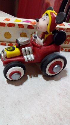Mickey sobre ruedas