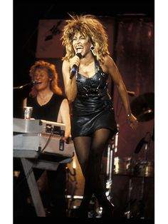 Tina Turner Performing at the Live Aid concert, 1985 Camilla Parker Bowles, Grace Kelly, Jackie Kennedy, Kate Middleton, Divas, Jean Patou, Audrey Hepburn, Live Aid, Hall & Oates