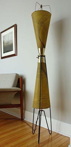 Mid-Century Atomic Tripod Majestic Floor Lamp FIGERGLASS SHADES & 3 WAY LIGHTS