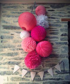 Rosace, pompons, boule chinoise, fleurs