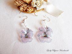 Orecchini Violetta pendenti con fiore realizzato con tecnica Sospeso Trasparente di LadyBijouxHandmade su Etsy