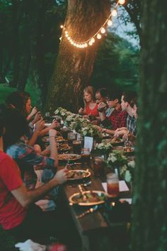 Festoon lighting, well-dressed table, eating al fresco with friends. From The Art of Camp Cooking - Kinfolk Festa Party, Party Decoration, Happy Labor Day, Kinfolk, Outdoor Entertaining, Belle Photo, Outdoor Dining, Party Planning, Party Time