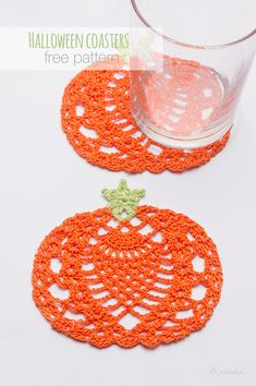 Newest No Cost Crochet coasters halloween Style Halloween häkeln Kürbis Untersetzer kostenlose Muster, Anabelia Craft Design, Crochet Christmas Garland, Holiday Crochet, Crochet Gifts, Christmas Star, Crochet Pour Halloween, Halloween Crochet Patterns, Lace Doilies, Crochet Doilies, Crochet Flowers