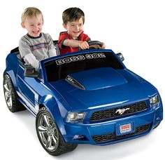 Fisher-Price Power Wheels Ford Mustang Boss 302 - Blue Sleek, realistic Boss Mustang stylingView larger Realistic features make it easy for kids to pretend that Kids Ride On Toys, Toy Cars For Kids, Kids Toys, Baby Toys, Best Scooter For Kids, Kids Scooter, Mustang Boss 302, Ford Mustang Boss, Diesel