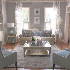 Awesome 44 Modern Home Curtain Design Ideas. More at https://homishome.com/2018/08/14/44-modern-home-curtain-design-ideas/
