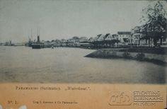Prentbriefkaart Waterkant. Opschrift: 'Paramaribo ( (Suriname) 'Waterkant' Uitg. L Kersten & Co., Paramaribo. No. 1.'  Datum: Locatie: Paramaribo, Suriname Vervaardiger: Inv. Nr.:  27-118 Fotoarchief Stichting Surinaams Museum