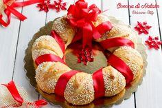 Questa è la Ghirlanda di Pane per Natale perfetta come sostituto del pane ed ottima da presentare ai vostri ospiti per le feste, insieme ad amici e parenti