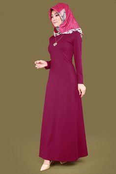 U.K.B. - Kalp Kolyeli Tesettür Elbise UKB2020 Şarabi Fasion, Hijab Fashion, Piercings, Moda Emo, Muslim Women, Kebaya, Frocks, High Neck Dress, Womens Fashion