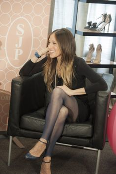 Style icon SJP talks with fans about her new shoe collection in Dallas.