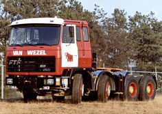 1982 FTF 8x4, 12 liter V8 Detroit Diesel 380-475hp, Allison automatic, Timken- Rockwell axles.