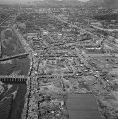 Seoul: Aerial photo of Cheonggyecheon and Jongno on September 28, 1951 (1951.9.28  청계천과 종로 9.28 서울수복 직후 모습)