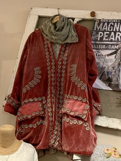 Featuring an eclectic blend of whimsical, fun and feminine clothing in sizes x-small through Lima Bean has something for every one of every size. Boho Fashion, Winter Fashion, Magnolia Pearl, Cool, Boho Outfits, Winter Style, Boho Chic, Kimono Top, Texas