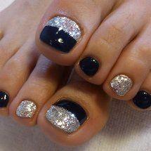 Black and Silver Glitter Manicure.