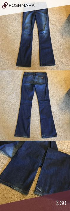 Joe's jeans Fit icon muse Joe's jeans in great condition. Bought used and they don't fit. Only slight wear/fading on bottom cuff as shown in 3rd picture. Getting ready to make donations next week so get it now while you can! Joe's Jeans Jeans